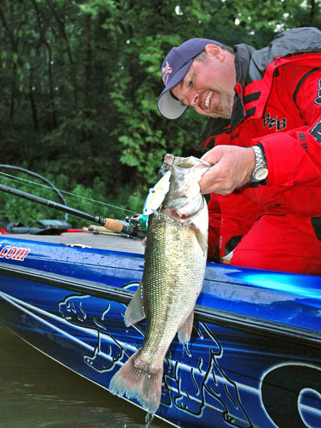 Bet on Pickwick's Largemouth Bass with Todd Witt