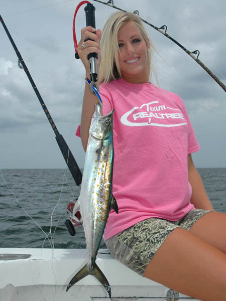 Summertime fishing on the gulf coast for Fishing gulf shores