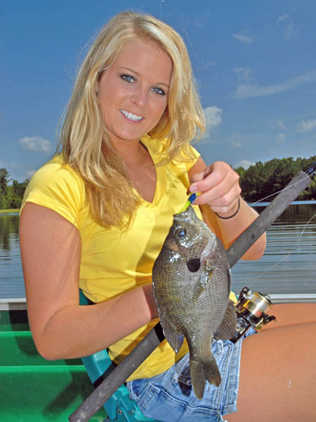 Tips for catching bigger bream this spring and summer for Fishing with crickets