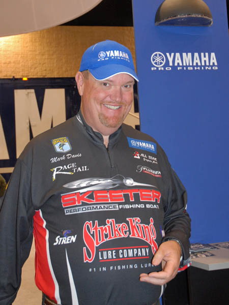 How to Catch Bass in November with Mark Davis