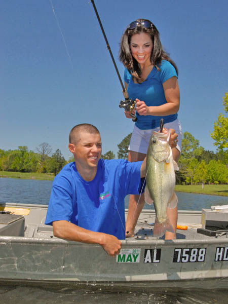 The hottest new bass fishing tactic the alabama rig for Fishing in alabama
