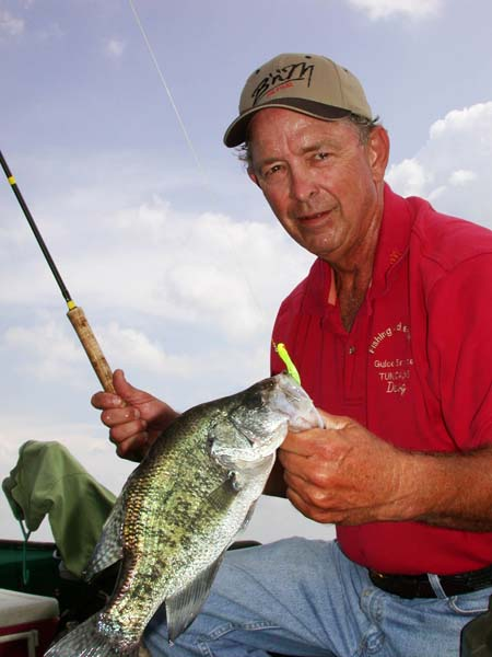 How to find and catch big crappie for How to fish for crappie from the bank