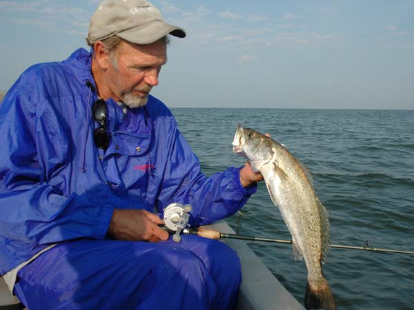 Finding the ghost trout of alabama 39 s mobile bay for Trout fishing in alabama