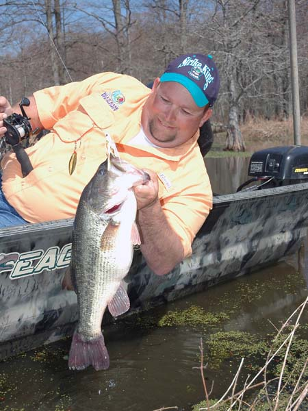How to bass fish during the drought with billy blakely for Reelfoot fishing report